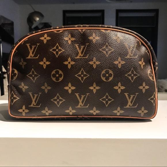 e3761939506 louis vuitton Handbags - Louis Vuitton Monogram Toiletry Bag 25  DC R1125